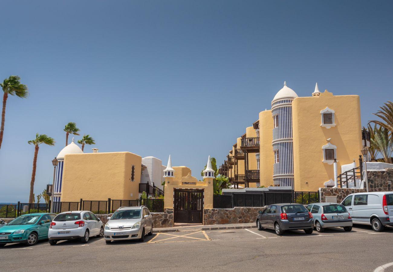 Ferienwohnung in San Bartolomé de Tirajana - Altamar 44 balcony&pool By CanariasGetaway